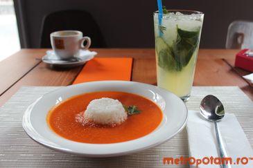 Tomato soup cream with rice & Herbal Lemonade
