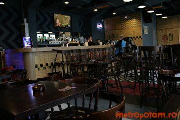 Fire Club Pub-ul din spate