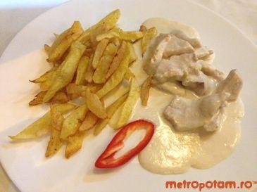 Pui cu sos de lamaie si cartofi prajiti