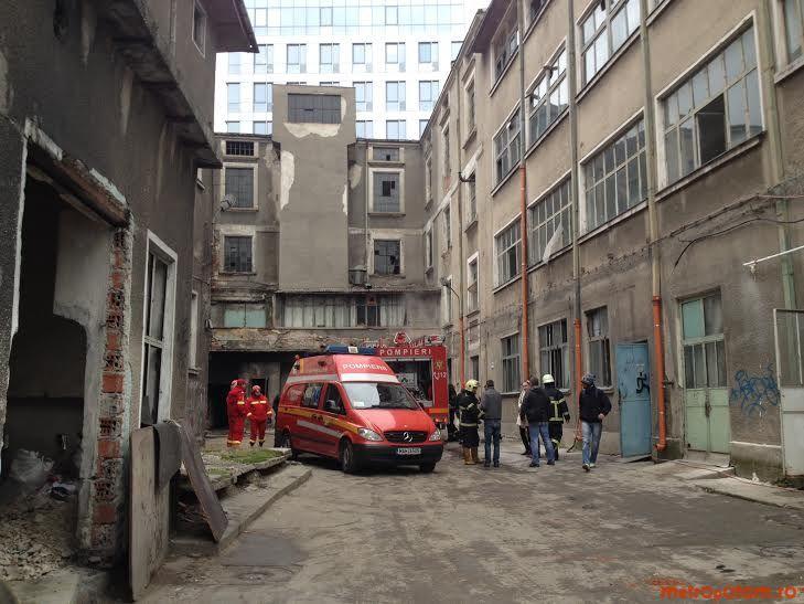 Incendiu în Bucureşti. O casă părăsită din Sectorul 2 a ...  |Incendiu Bucuresti