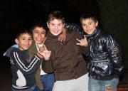 Copii prin parcul Cazzavillan