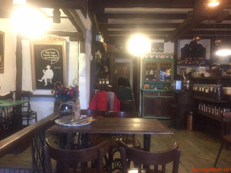 Cronici Cafenele din Bucuresti, Romania - Leonard Caffe - locul cochet si boem cu ceai delicios ascuns la Piata Unirii