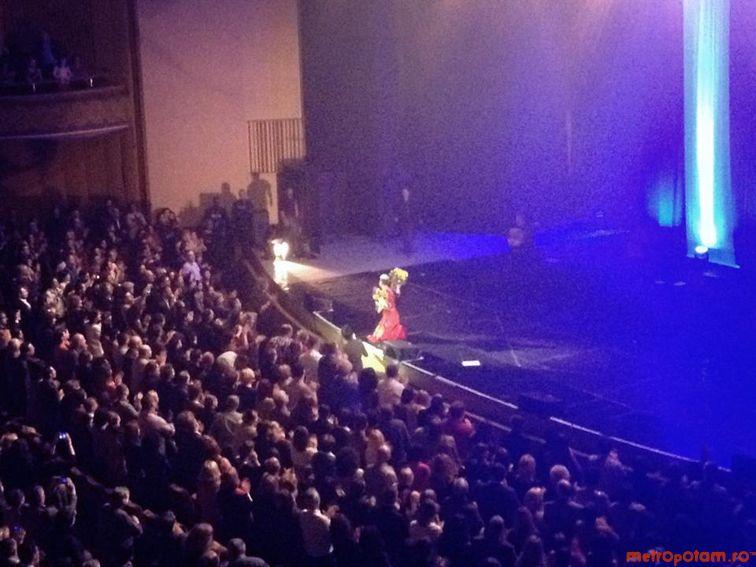 Cronici de Concerte si Evenimente - Mariza la Bucuresti - un spectacol de fado cu pasiune, lacrimi si cele mai puternice aplauze pe care le-a auzit Sala Palatului