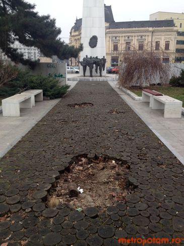 Memorialul Renasterii lasat in paragina