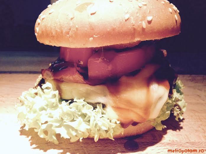 Modelier - casa veseliei de pe Duzilor, unde gasesti burgeri gustosi si nu numai