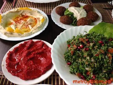 Hummus, tabule, falafel si muhamara