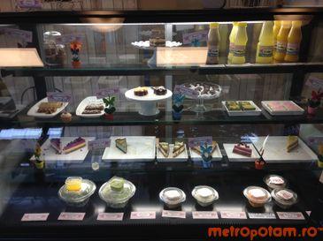 Rawyal brunch & cakes