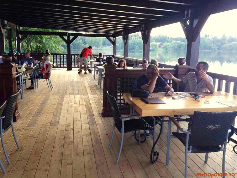 Restaurantul Diesel Din Floreasca Locul Cu Specific Italian Si Spaniol Cu O Vedere Minunata Spre Lac Unde Iesim In Oras