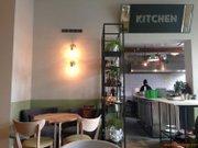 Cronici Cafenele din Romania - Despre noul Simbio sau cum prietenii nu vor tine in viata un local