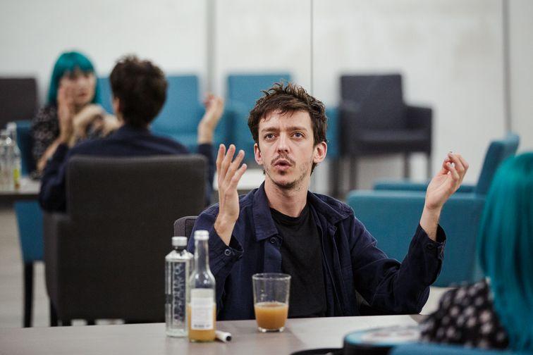 """De vorbă cu Nahuel Pérez Biscayart din """"120 battements par minute"""" - film premiat la Cannes"""