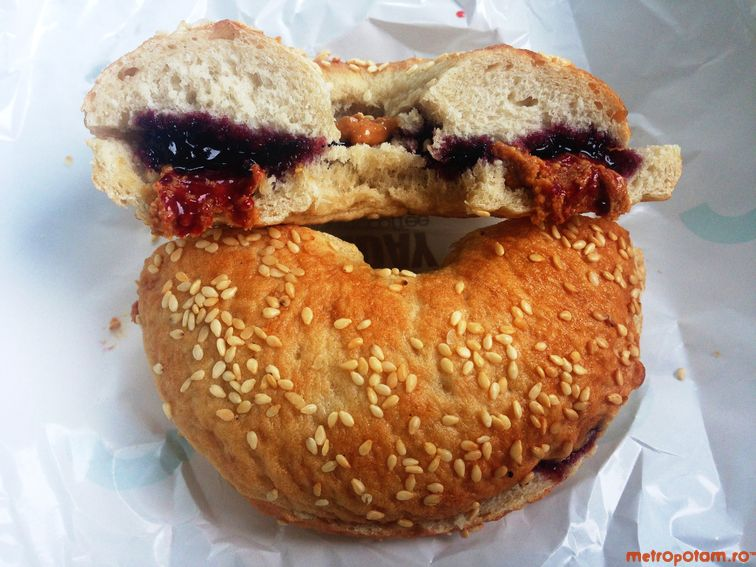 PBJ bagelwich