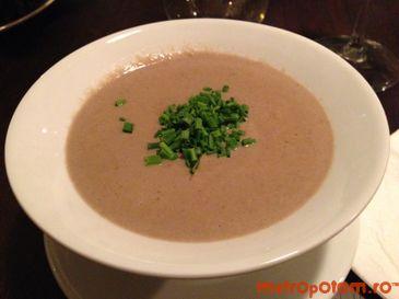 Supa crema din 4 feluri de ciuperci