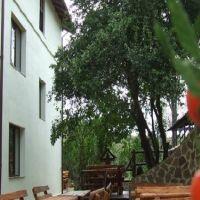 Locuri de vizitat - Idee de vacanta: Casa Colinelor, un popas de neratat pe Drumul vinului