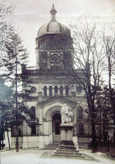 capela si statuia