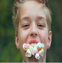 La zi pe Metropotam - Copiii intre 3-15 nu vor mai avea voie sa apara in reclamele la alimente