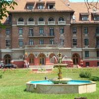 Cronici Terase din Romania - Premiera in Romania postcomunista: Hotelul Triumf din Bucuresti va fi transformat in sediu de institutii publice