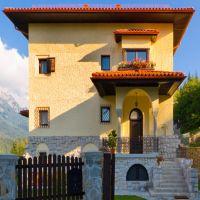 Locuri de vizitat - Idee de vacanta: Vila Leonida, locul de la poalele muntilor unde te poti relaxa