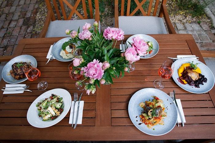 Food_wine1.jpg
