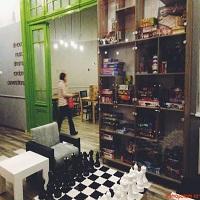 Cronici Cafenele din Romania - Lente & Sotron - un parc de distractii intr-o casa si cel mai cool loc din Bucuresti