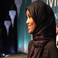 La zi pe Metropotam - Un model care poarta hijab a prezentat pentru colectia Yeezy a lui Kanye West si a facut senzatie