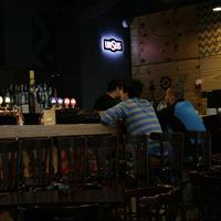 Cronici Restaurante din Romania - Fire Club, pub-ul din spate - cel mai nou loc pentru rockerii din Centrul Vechi
