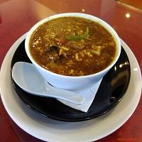 Unde Iesim in Oras? - Fast Food Zen, nostalgia Harbin intr-un restaurant aproape parasit