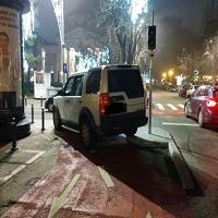 Utile - Cata nesimtire mai tolereaza Primaria Capitalei pe Calea Victoriei - masini parcate neregulamentar pe pistele de biciclisti