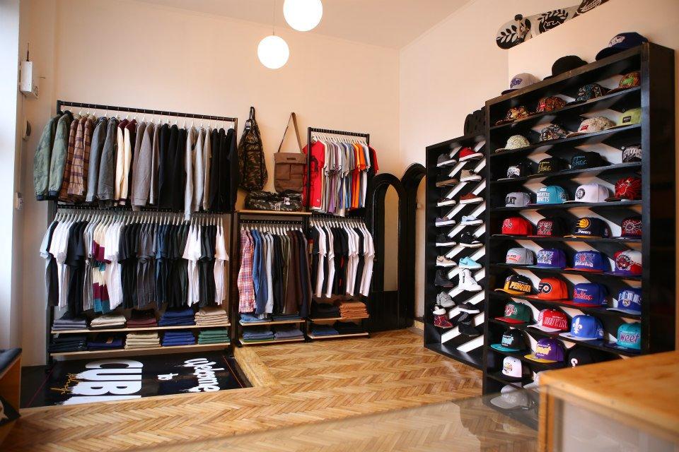 Cube Shop, magazin de urban lifestyle si singurul importator de casti Marshall