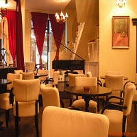 Cronici Cafenele din Bucuresti, Romania - Godot - cafeneaua din Centrul Vechi unde gasesti mancare buna si piese de teatru senzationale