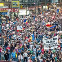 Protestele impotriva exploatarii miniere de la Rosia Montana continua, vezi pana cand
