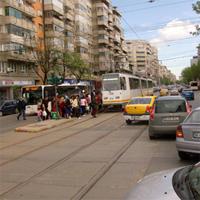 Utile - Tramvaiul 41 a intrat intr-o masina - circulatia tramvaiului oprita pentru o ora