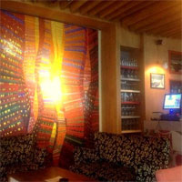 Cronici Cafenele din Bucuresti, Romania - Pow Wow - un nou nucleu artistic al Bucurestiului cu mancare delicioasa