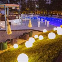 Cronici Restaurante din Bucuresti, Romania - Younivers - insula ascunsa din Bucuresti: piscina, terasa, restaurant cu retete speciale in spatele Casei Presei Libere