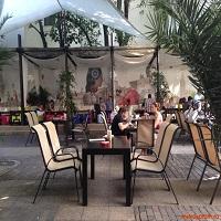 Embassy din Piata Lahovari - un loc relaxant, cu terasa spatioasa si mancare gustoasa la preturi decente
