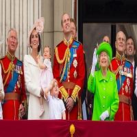 La zi pe Metropotam - Regina Marii Britanii si printul William - un gif de zile mari