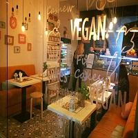 Cronici Cafenele din Bucuresti, Romania - Lista restaurantelor vegane si vegetariene din Bucuresti