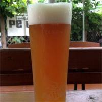 Cronici Restaurante din Romania - 10 locuri din centrul Bucurestiului unde sa bei o bere cu 6 lei sau mai putin