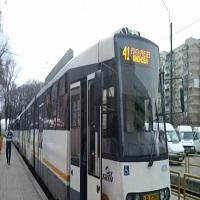 Linia lui 41 a fost blocata dupa ce o persoana a cazut din tramvai
