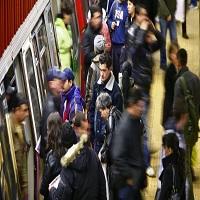 La zi pe Metropotam - Circulatie ingreunata la metrou Eroilor din cauza unei suspiciuni de foc