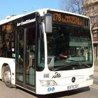 La zi pe Metropotam - Accident in capitala- un autobuz a intrat intr-o masina