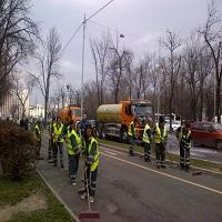 Utile - In Bucuresti s-a dat startul la curatenia de primavara