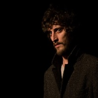"""Interviuri - Mihai Stanescu: """"Bucurestiul-personaj ar fi cuplul Johnny Depp – Benicio Del Toro din Fear and Loathing in Las Vegas"""""""