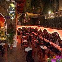 Cronici Cluburi din Bucuresti, Romania - Sappho Pub & Garden - locul din Centrul Vechi unde nu te sfatuim sa mananci!