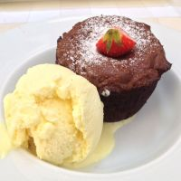 Cronici Restaurante din Romania - White Horse - locul unde mananci bine si te rasfeti cu un desert delicios