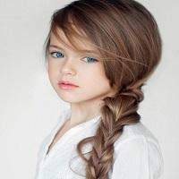 Cum arata Kristina Pimenova, cea mai frumoasa fetita din lume si cel mai tanar model
