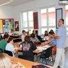 Utile - Scoala Americana de la Bucuresti ofera burse elevilor de gimnaziu si liceu