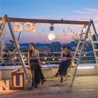 21 nocturne: poezie, muzica si vin pe terasa blocului
