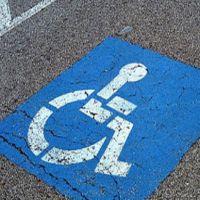 Sanctiuni drastice pentru cei care parcheaza la Baneasa Shopping pe locurile destinate persoanelor cu dizabilitati