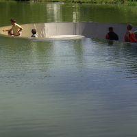 Locuri de vizitat - Idee de vacanta: lacul in care poti sa stai fara sa te uzi