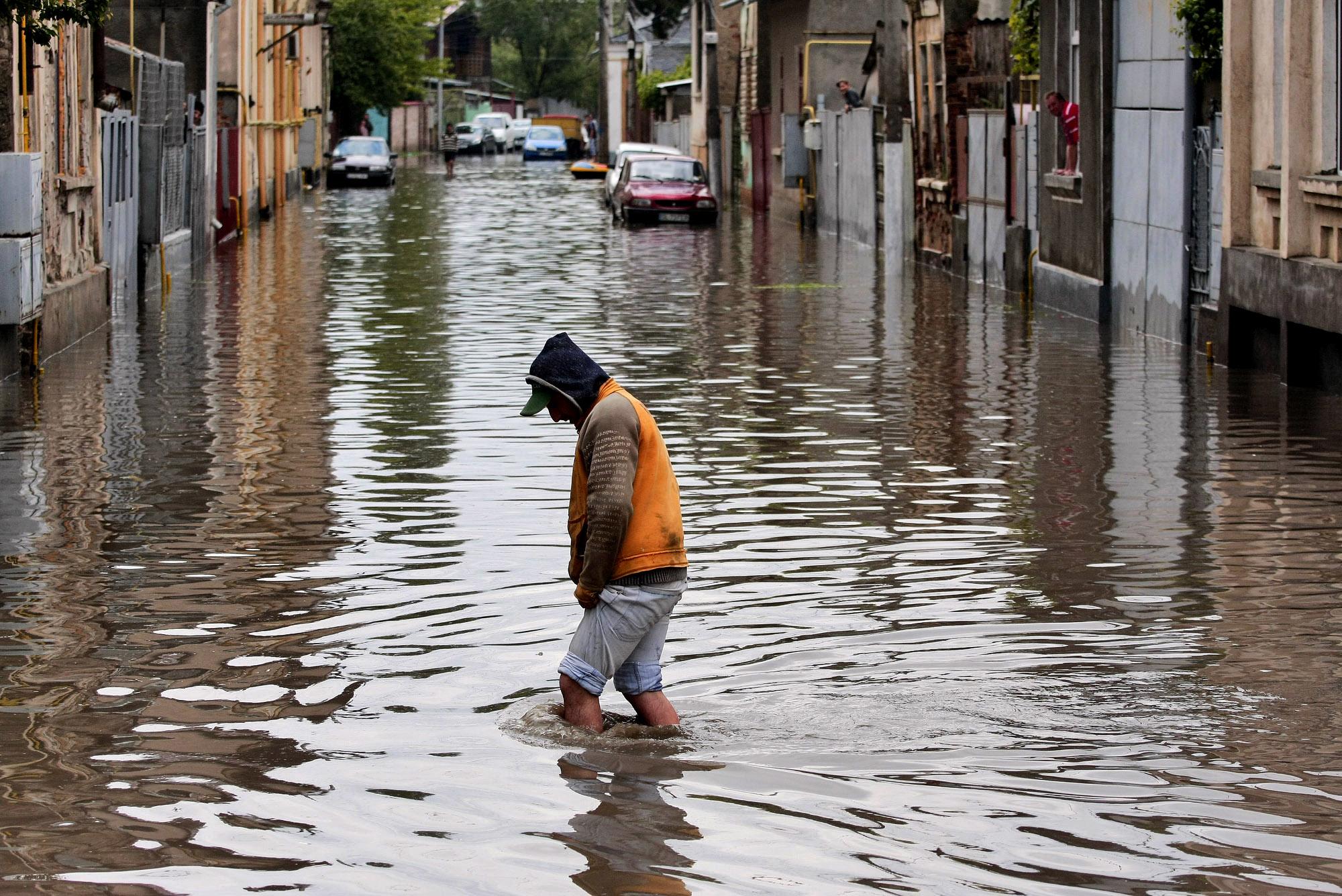 inundatii-foto-mare-ampress_ro_.jpg